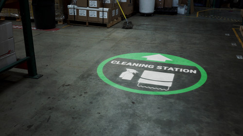 Cleaning Station Arrow with Icon Green - SignCast S200 Virtual Sign