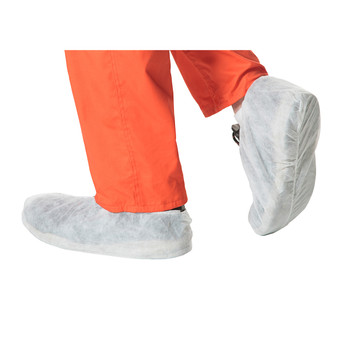 Pioneer 2022 Disposable Polypropylene Shoe Cover - White | Safetywear.ca