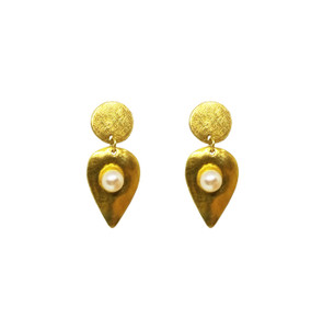 Drop earrings with pearls in 2 finishes ,gold plated and silver|Luxury Design earrings|Bridal Earrings