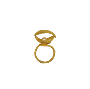 Kelifos ring, Kelifos in Greek means shell, a shell ring with hidden treasures