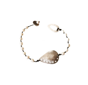 Pearl bracelet, elegant and unique everyday jewelry with style