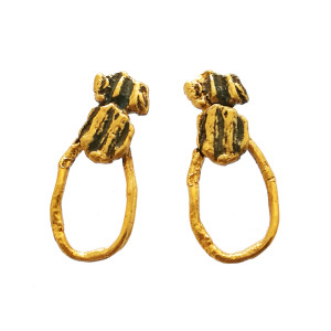 Bee Earrings, beautifull and stylish earrings with organic texture made of silver 925