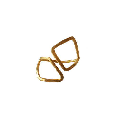 Modern minimal Wire ring with Rhombi at the ends