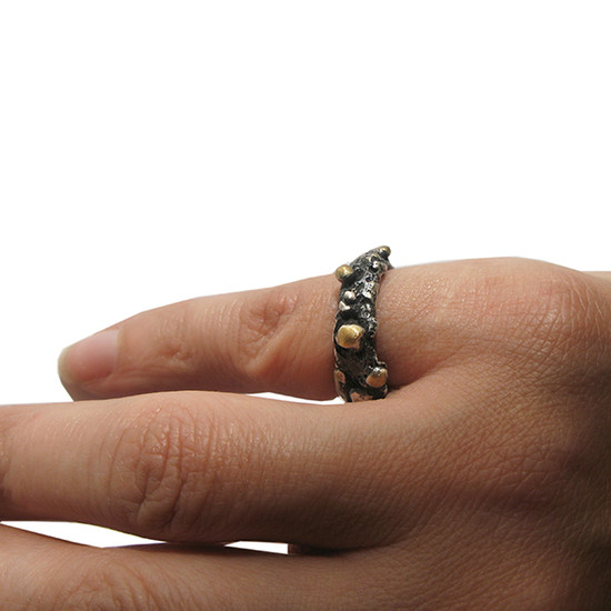 Contemporary ring made of sterling silver
