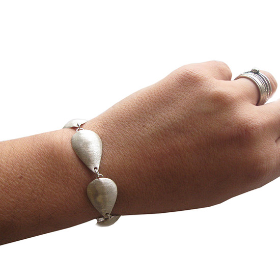 Contemporary drop bracelet