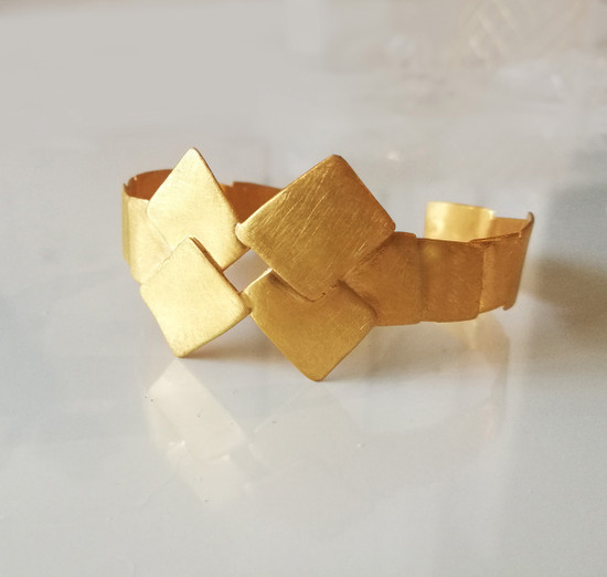 The Warrior Cuff, minimal and Unique, inspired by the Shield of Spartn King Leonidas