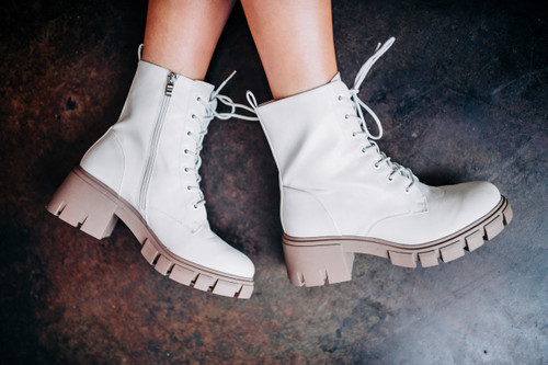 Mazzy Light White Smooth Bootie