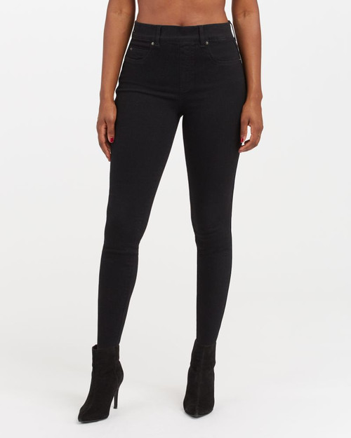 Clean Black Ankle Skinny Jeans