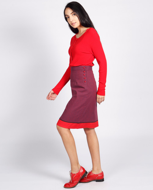 Lagom Bloomsbury Skirt side view, worn by model on grey background