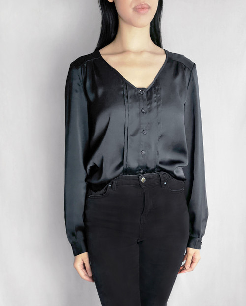 Lagom Emilia Elegant Satin Blouse Black, front view on model