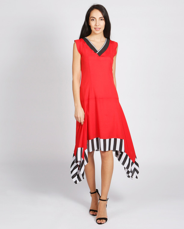 Lagom Allegra Dress Red front view, worn by model on grey background