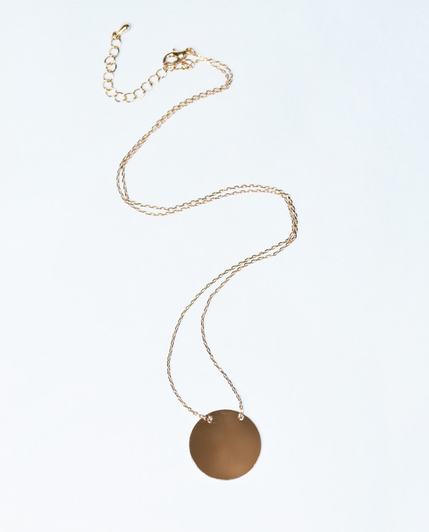 Lagom Helen Necklace Gold front view on grey background