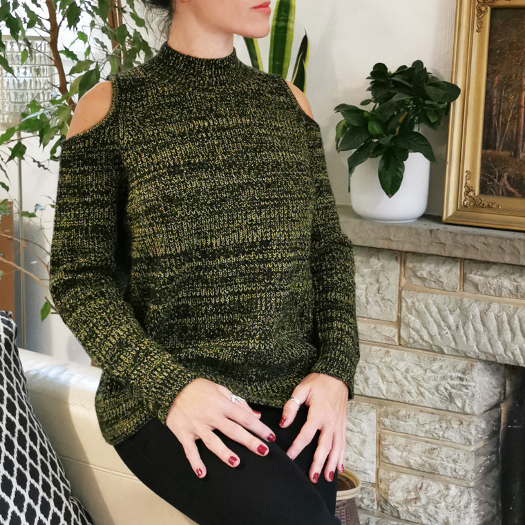 Boston Cold Shoulder Cut-Out Jumper in Thick Black-Yellow Ethically Sourced Cashmere