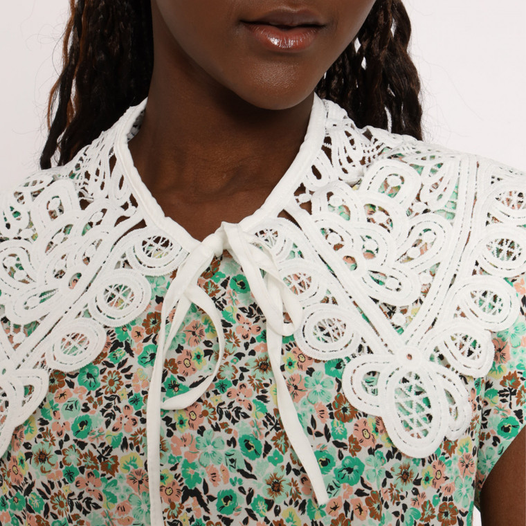 Daphne Oversized Collar in Cotton Lace