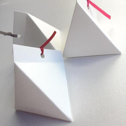 Piramide portaconfetti