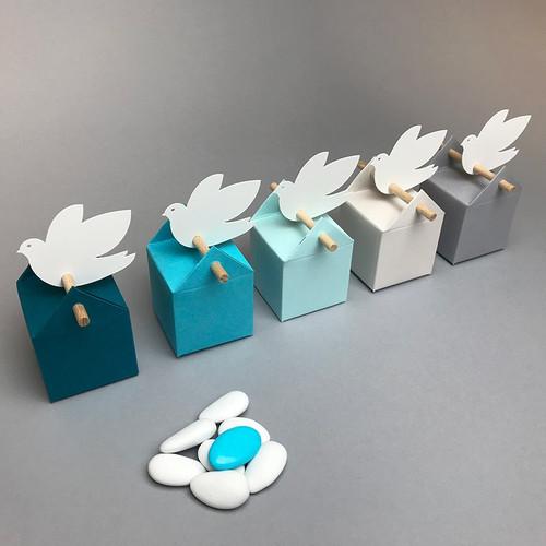 Set nuvole azzuro con colombe, bomboniere per un ragazzo