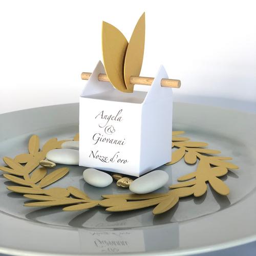 Corona di ramo d'ulivo per la decorazione della tavola