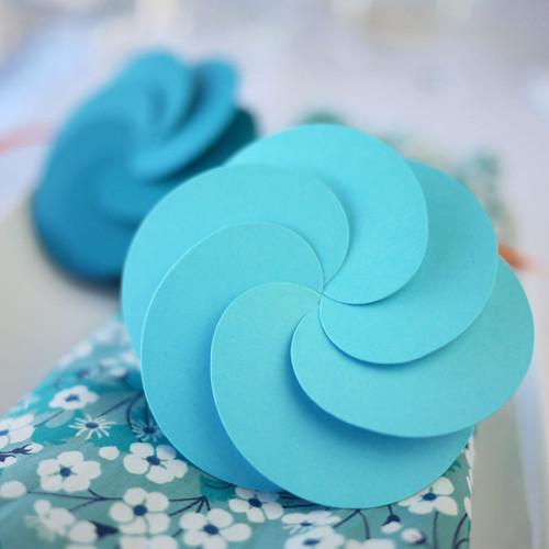 Bomboniera fiore blu turchese