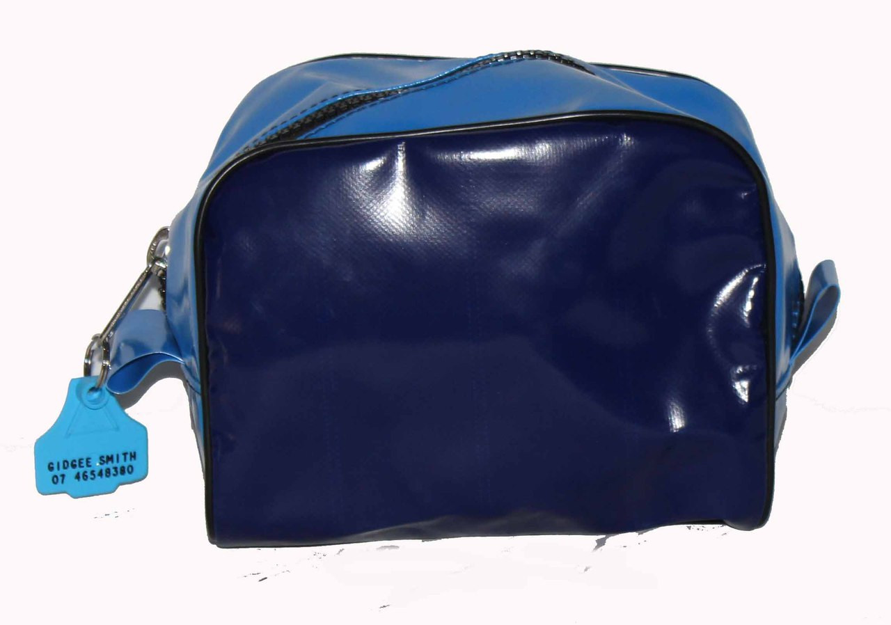 Brush Bag Wet Pack  21cm L X  21cm  W  X 18cm  H