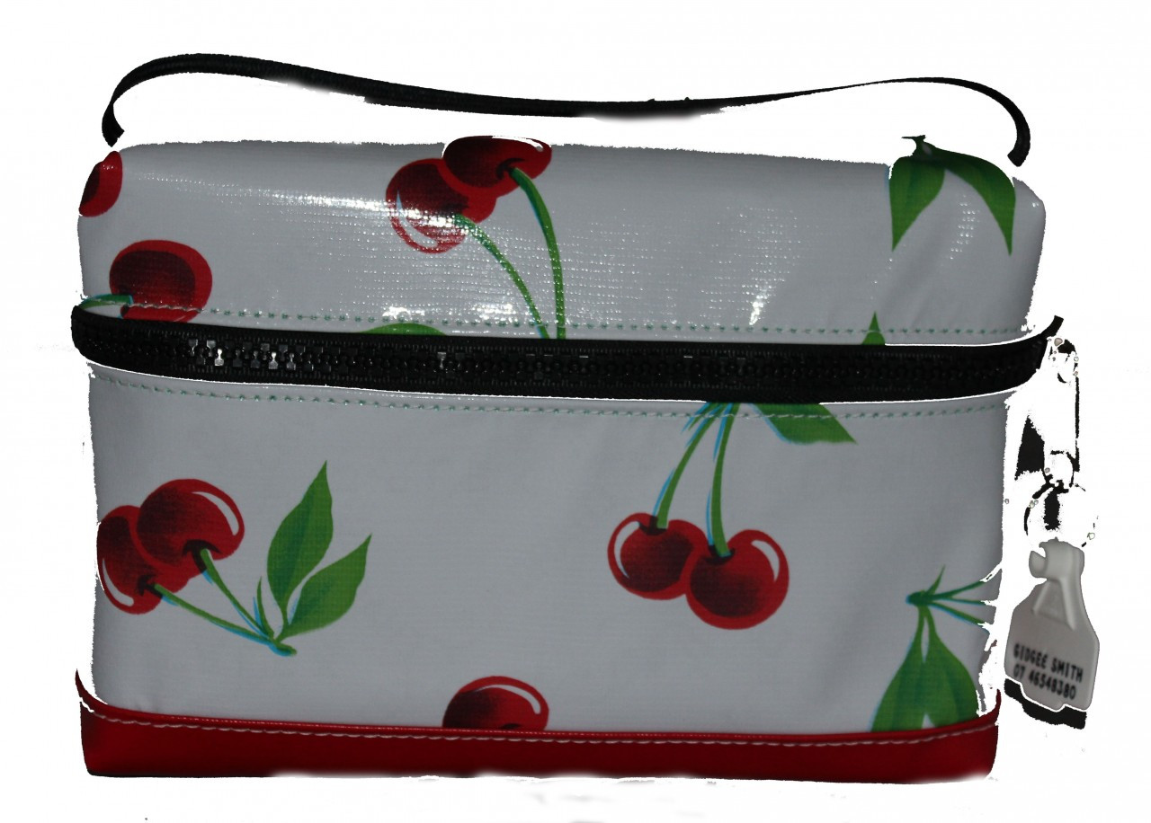 Lunch Bag  25cm L x 15cm H x 12cm W
