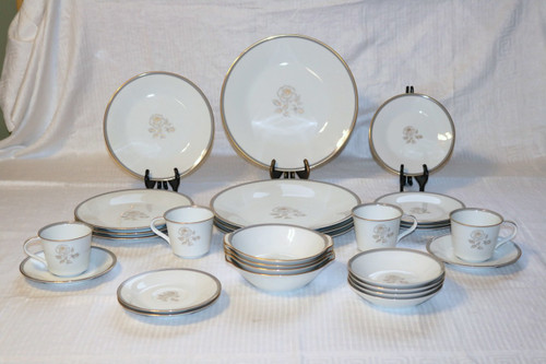 Noritake Blair Rose 28 Piece Set