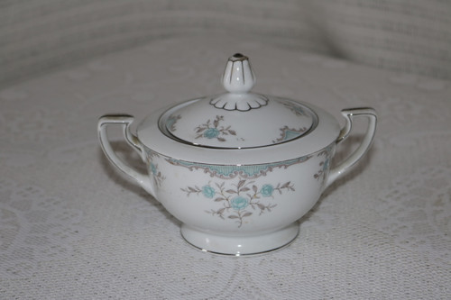 Narumi Fine China Phoebe Sugar Bowl with Lid