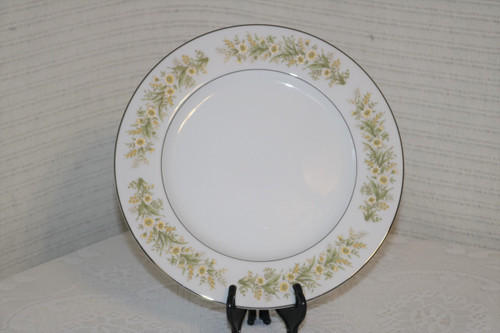 Towne Fine China Wild Flowers Dinner Plate