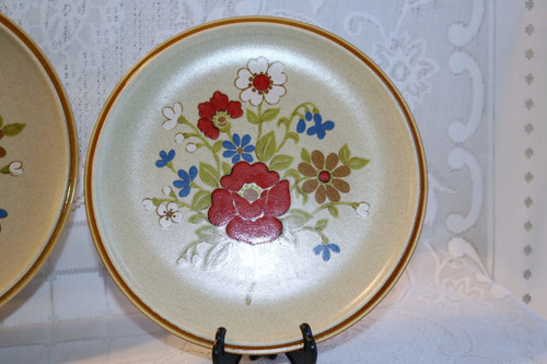 Premiere Fine China Corsage Dinner Plate