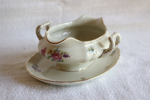 Franconia-Krautheim Norina Gravy Boat with Attached Under Plate