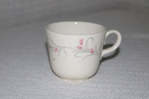 Homer Laughlin Co Tulip Wreath Coffee Cup