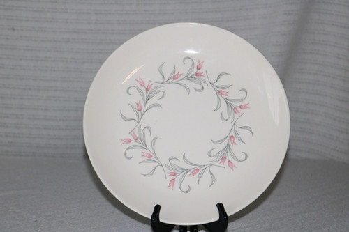 Homer Laughlin Co Tulip Wreath Dinner Plate