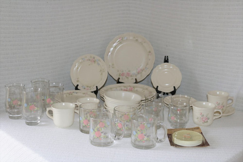Pfaltzgraff Tea Rose 36 Piece Set