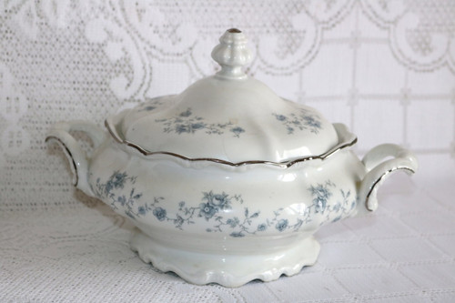 Johann Haviland Blue Garland - Bavaria Round Covered Vegetable Serving Bowl