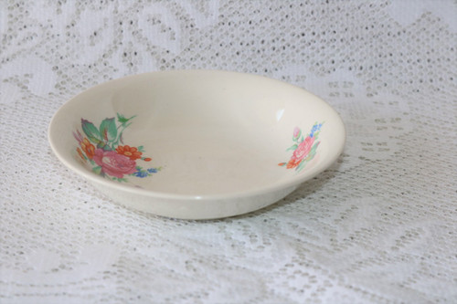Crown Potteries Co 7365 Berry Bowl