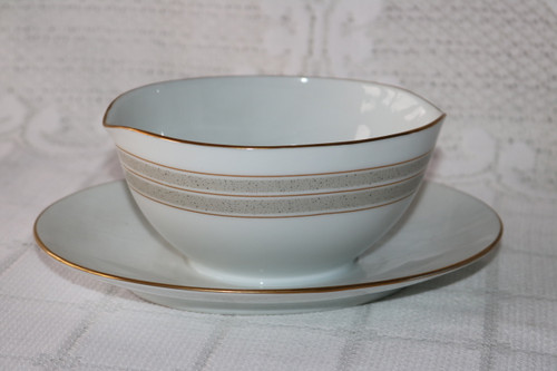 Noritake Samara Gravy Boat with Attached Under Plate