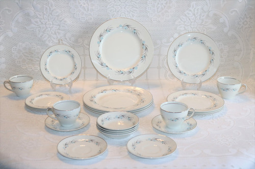 Johnson Brothers Snowhite 28 Piece Set