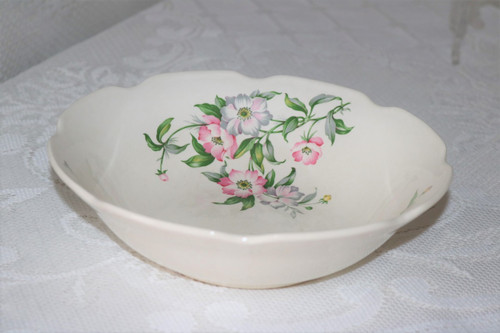 Mount Clemens   Round Vegetable Serving Bowl