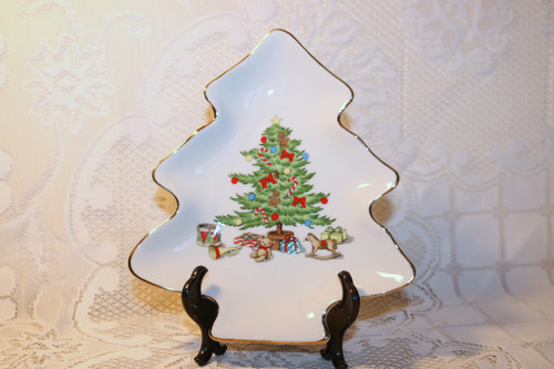 Tienshan Holiday Hostess Tree Shaped Plate