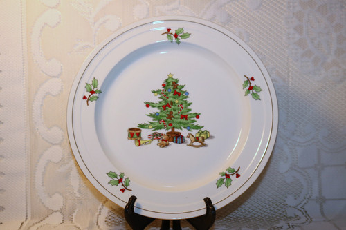 Tienshan Holiday Hostess Dinner Plate