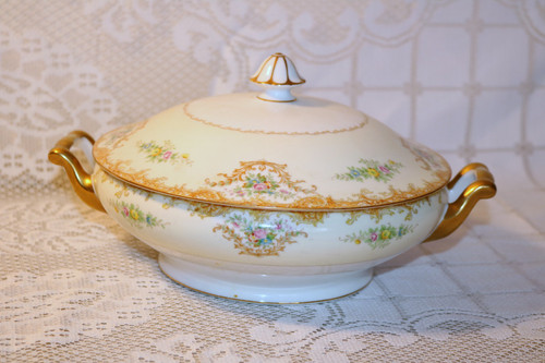Noritake N848 Round Covered Vegetable Serving Bowl