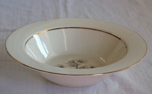 Cunningham & Pickett Princess Round Vegetable Serving Bowl