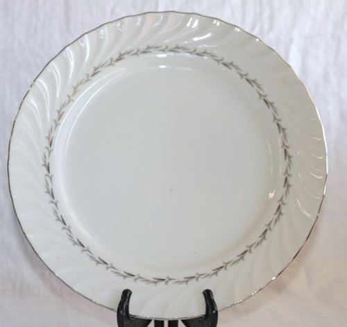 Coreling Fine China Bridal Wreath Dinner Plate
