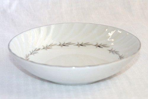 Coreling Fine China Bridal Wreath Berry Bowl