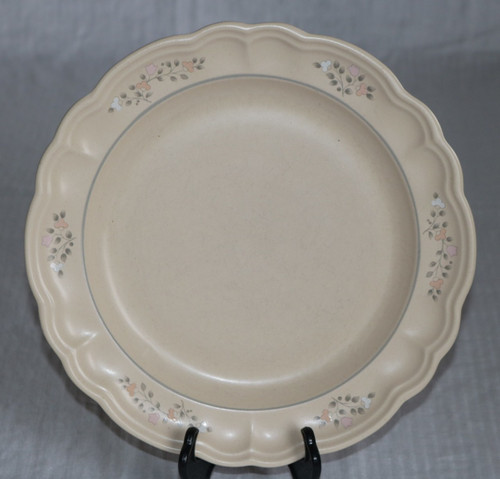 Pfaltzgraff Remembrance Dinner Plate