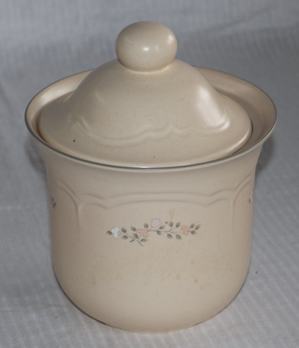 Pfaltzgraff Remembrance Tea Canister #509