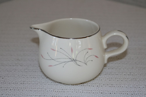 Homer Laughlin Co Capri Creamer