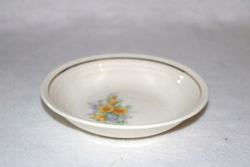 Universal Potteries, Inc. Berry Bowl