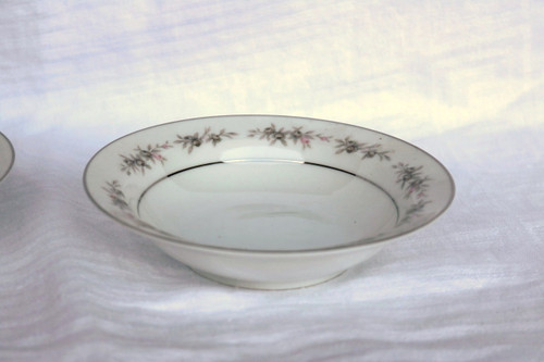 Wyndham Fine China Wilton Berry Bowl