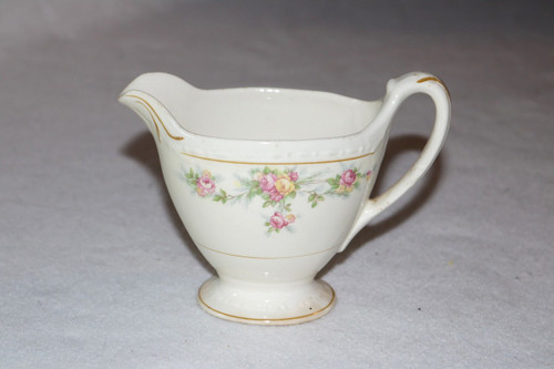 Homer Laughlin Co G3370 Creamer
