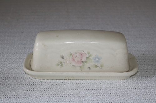Pfaltzgraff Tea Rose 1/4 lb Covered Butter Dish